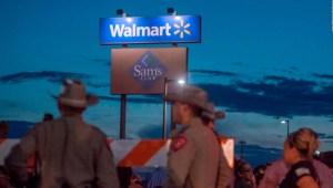 Walmart reduce venta de armas y municiones