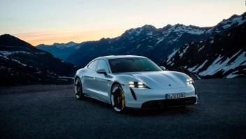 Así se ve el primer Porsche eléctrico