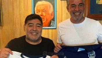 Maradona regresa a Argentina como director técnico