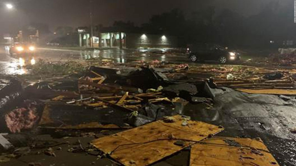Tornado obliga a evacuar un hospital