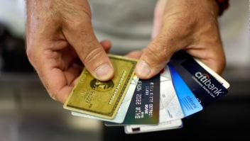 Deudas de tarjeta de crédito en EE.UU. llega a cifra récord