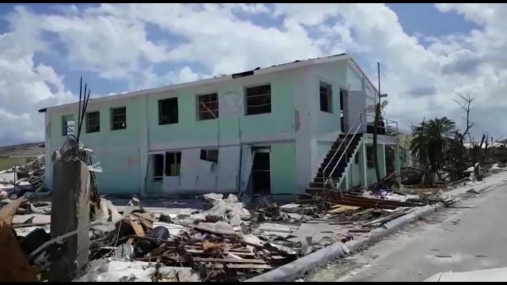Dorian provoca el exilio de pueblos en las Bahamas