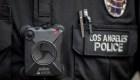 Legisladores de California prohíben el software de reconocimiento facial de cámaras corporales de la policía