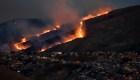 Luchan contra los incendios forestales