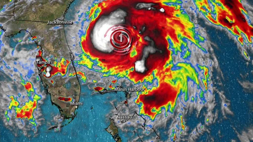 El huracán Humberto se aleja de Bahamas