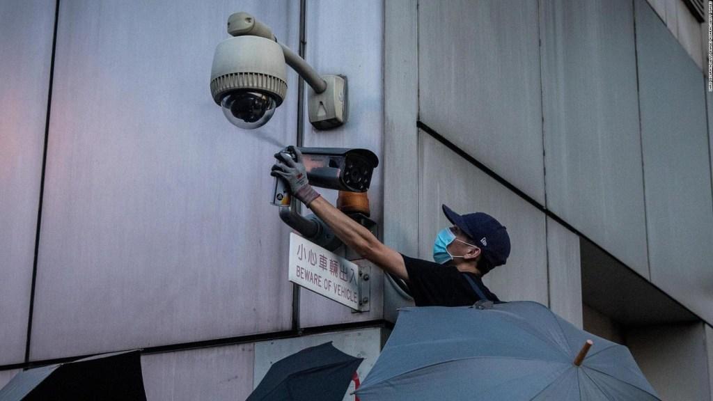 La lucha contra las cámaras de vigilancia en Hong Kong