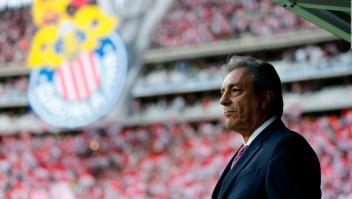 Las Chivas cambian de técnico antes del Clásico, ¿decisión incorrecta?