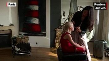 Doble amputada de 9 años modela en París
