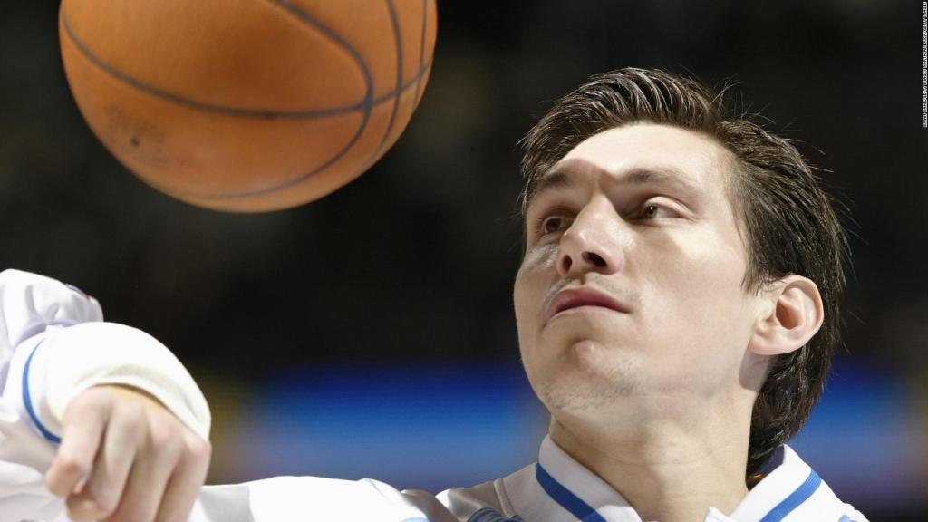 Eduardo Nájera, un pionero en el mejor baloncesto del mundo