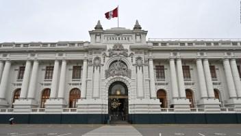 ¿El efecto económico de la crisis constitucional de Perú?
