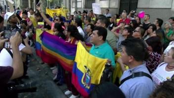 Ecuatorianos, preocupados por protestas en su país