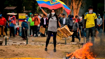 Manifestantes no respetan el toque de queda
