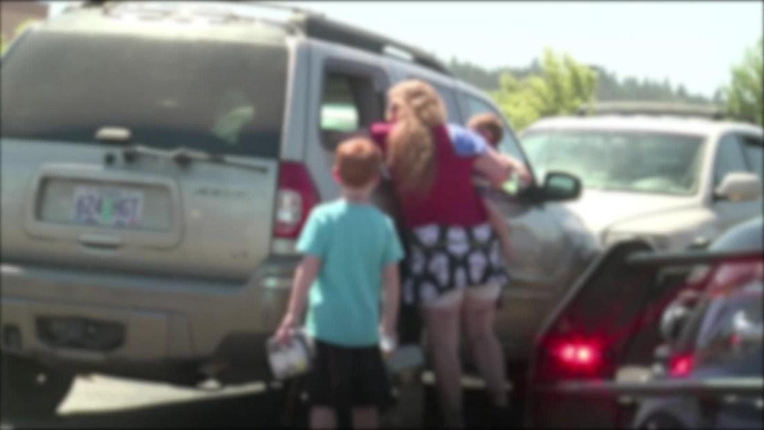 Otro bebé murió en el interior de un auto bajo el sol