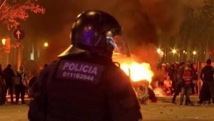 Independentistas continúan su protesta en Barcelona