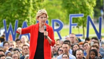 Warren: ¿suben o no los impuestos a la clase media por su plan de salud?