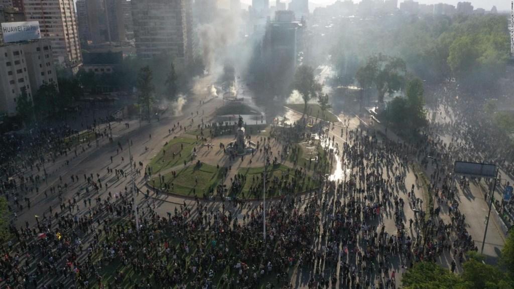 Ordenan toque de queda en Santiago