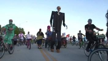 11.000 zombis en bicicleta se apoderan de Key West, Florida