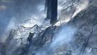 Fuertes vientos reavivan el fuego en California