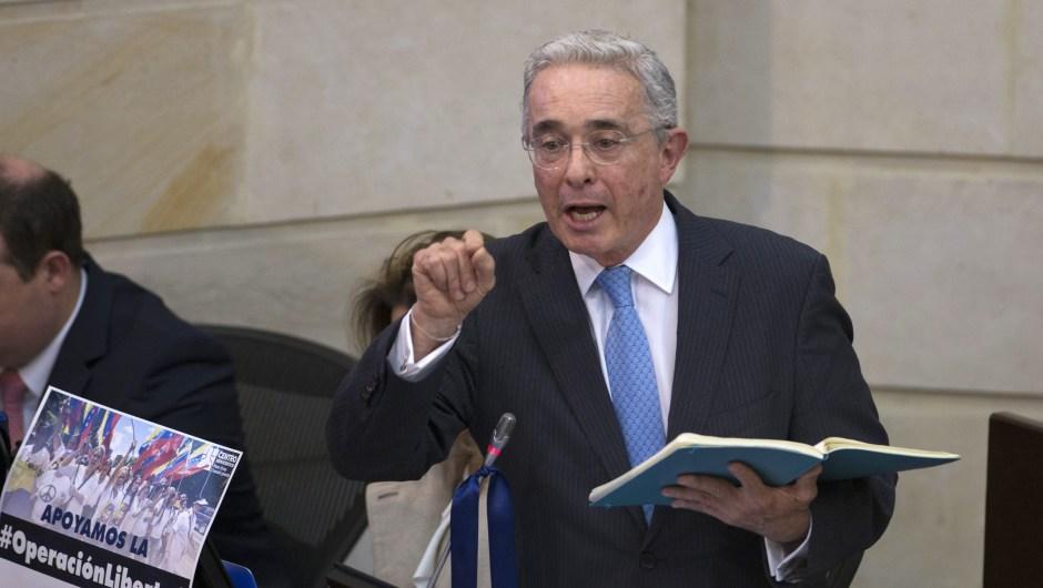 Uribe masacres fiscalía
