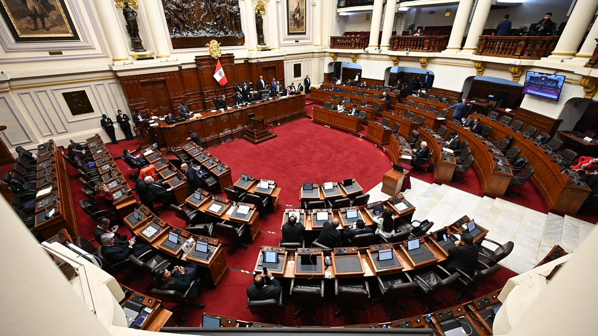 Tribunal Constitucional se pronunciará sobre disolución del Congreso en Perú  | CNN