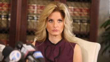Ex concursante de El Aprendiz Zervos acusaciones contra Trump