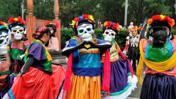 La ofrenda por el Día de Muertos en el Zócalo