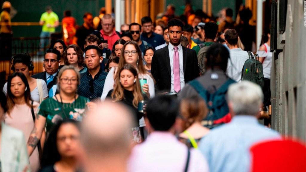 EE.UU. crea más empleos de lo esperado en octubre