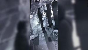Investigan posible ataque racista con ácido a un hombre