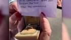 Un anillo sobrevive los incendios en California