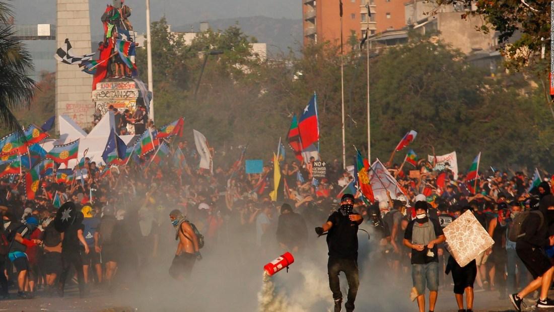 Cronología: un mes de protestas en Chile