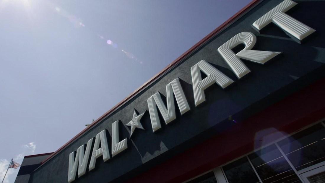 Mexicanos demandan a Walmart por la masacre en El Paso