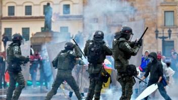Enfrentamientos en Bogotá al finalizar paro general contra Duque