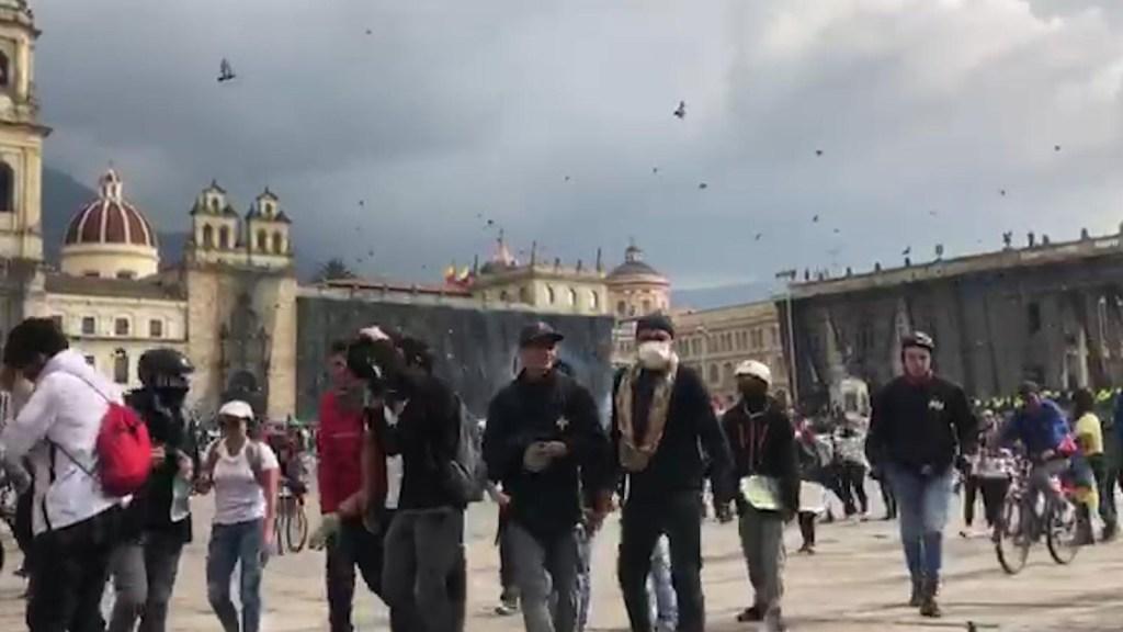 Convocan a más protestas y cacerolazos en Colombia
