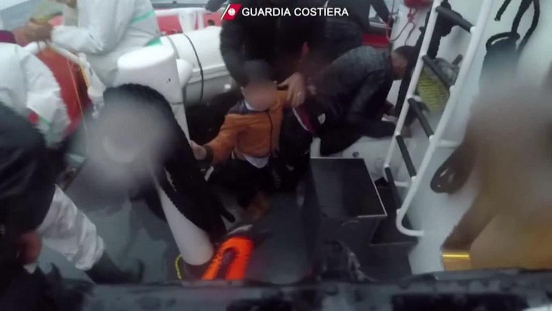 Impactante rescate de una niña en Italia
