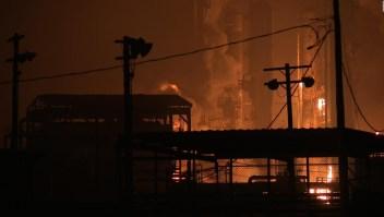 3 heridos por explosiones en planta química de Texas