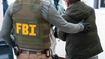 FBI desarticula red de falsificación de iPhones