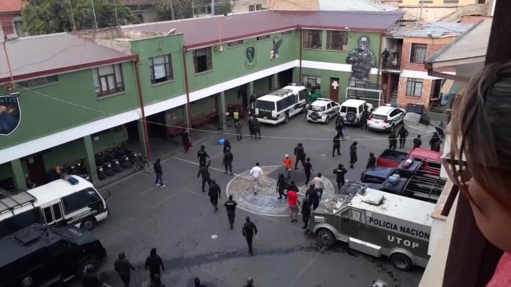 Motines en Cochabamba Bolivia relevan a Raul Grandy