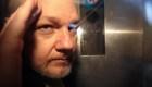 Empresario responde a demanda de Assange