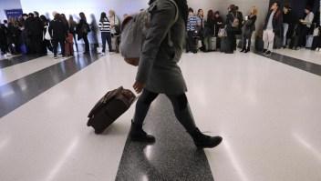 Esperan 42 millones de pasajeros en EE.UU. para las fiestas de fin de año