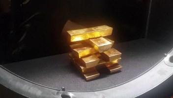 Trasladan en secreto lingotes de oro a Polonia