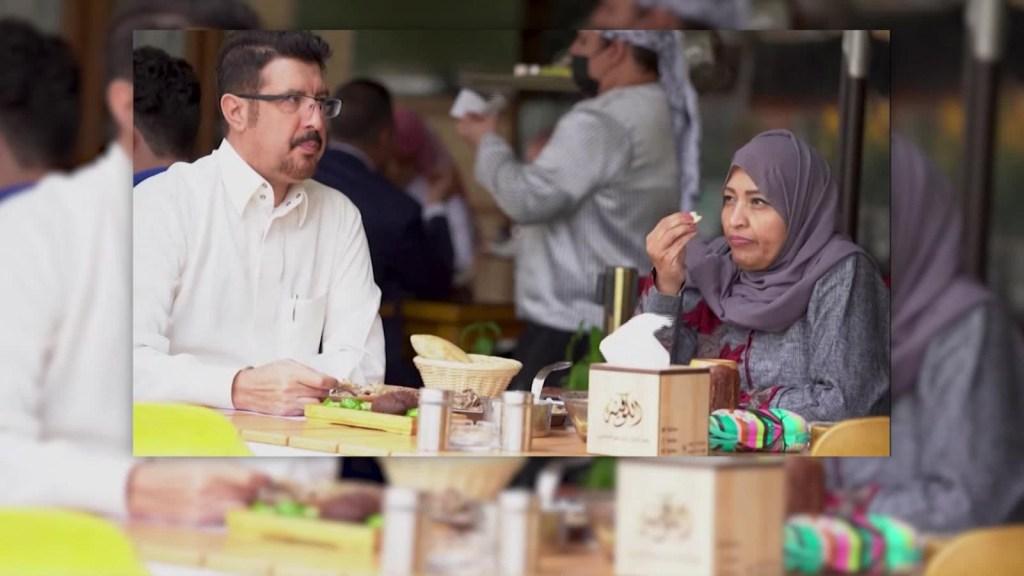 Fin a la segregación sexual al entrar a restaurantes de Arabia Saudita