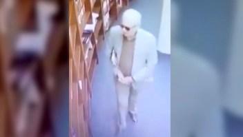 Embajador mexicano acusado de robar en famosa librería