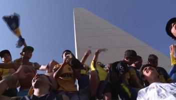Hinchas del Boca Juniors festejan su día en Buenos Aires