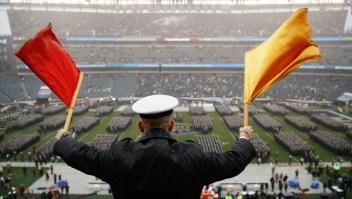 Este gesto hecho por cadetes causa controversia