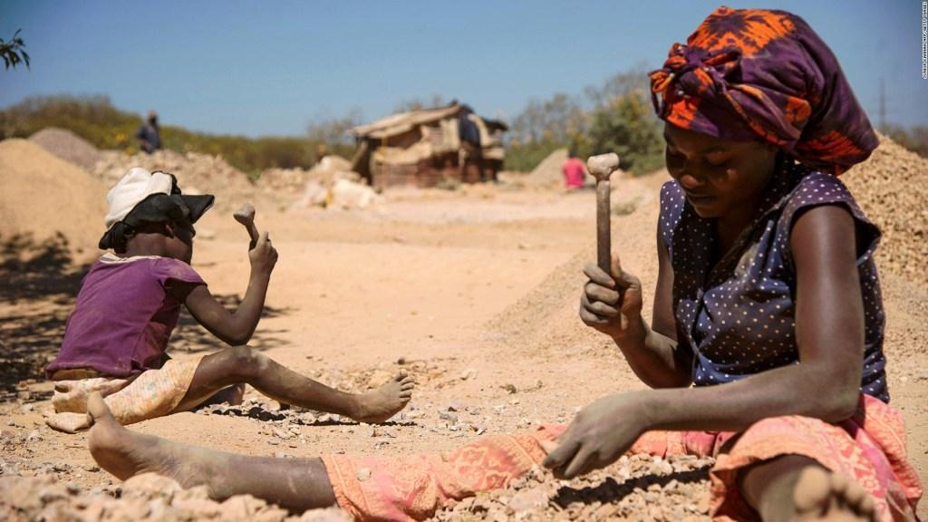 Demandan a cinco compañías por presunto trabajo infantil en África