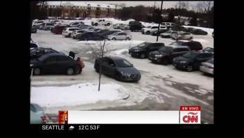 Mujer es arrastrada por un auto tras robo de cartera