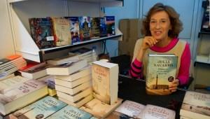 ¿Por qué Julia Navarro escribe sobre el siglo XX?