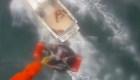 Rescatan a surfista tras aterrador ataque de tiburón