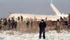 Mortal accidente de avión con casi 100 personas a bordo