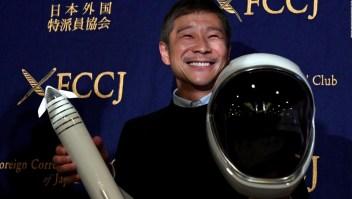 Multimillonario busca pareja para volar a la Luna